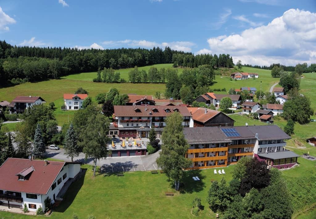 DEIN WOHNZIMMER IM WALD SCHLAFEN – BRUNCHEN – ENTSPANNEN – Willkommen im Fritz – Hotel der Bäume