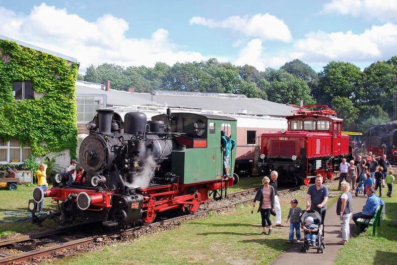 """Ebenfalls lohnenswert: Ein """"Spaziergang"""" durch das Bayerische Eisenbahnmuseum. (Foto: epr/Tourist-Information Nördlingen)"""
