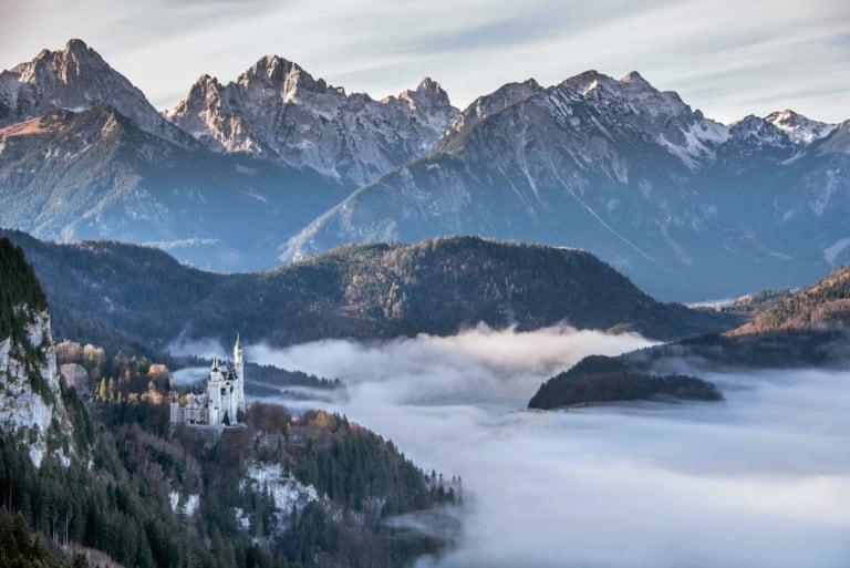 Atemberaubend: der Blick auf Schloss Neuschwanstein. (Foto: HLC/Tourismusgemeinschaft Südliches Allgäu GbR/Christian Greither)