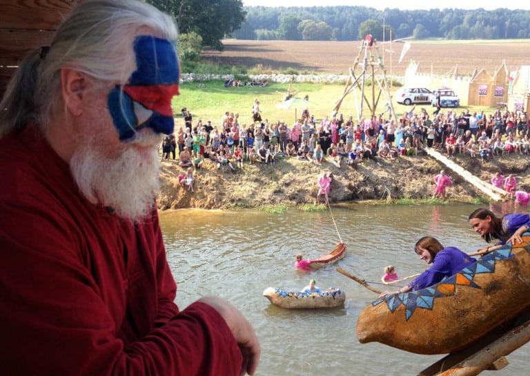 Das Folklorum, die turisedischen Festspiele. (Foto: epr/ Künstlerische Holzgestaltung Bergmann GmbH)
