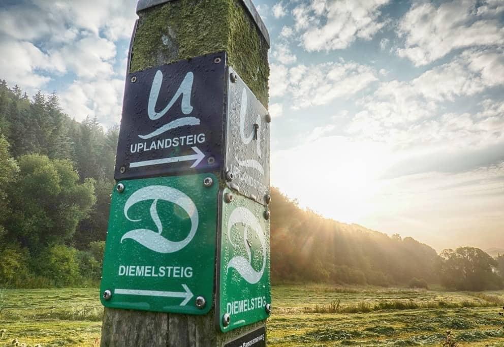 Der Trekkingpark Sauerland führt durch die attraktivste Mittelgebirgsregion Hessens und Nordrhein-Westfalens und ist über die Qualitätswanderwege Diemelsteig und Uplandsteig zu erreichen. (Foto: epr/Extrem Extrem: Tourist-Information Willingen, Tourist-Information Diemelsee, Kreis- und Hansestadt Korbach, Edersee Marketing GmbH/Martin Prasch/Powerwalkers.de/Waldecker Land)