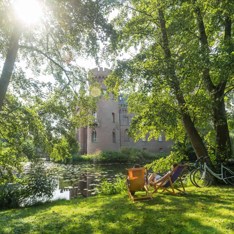 Radfahren Schloss Moyland Niederrhein © Dominik Ketz, Tourismus NRW E.V.