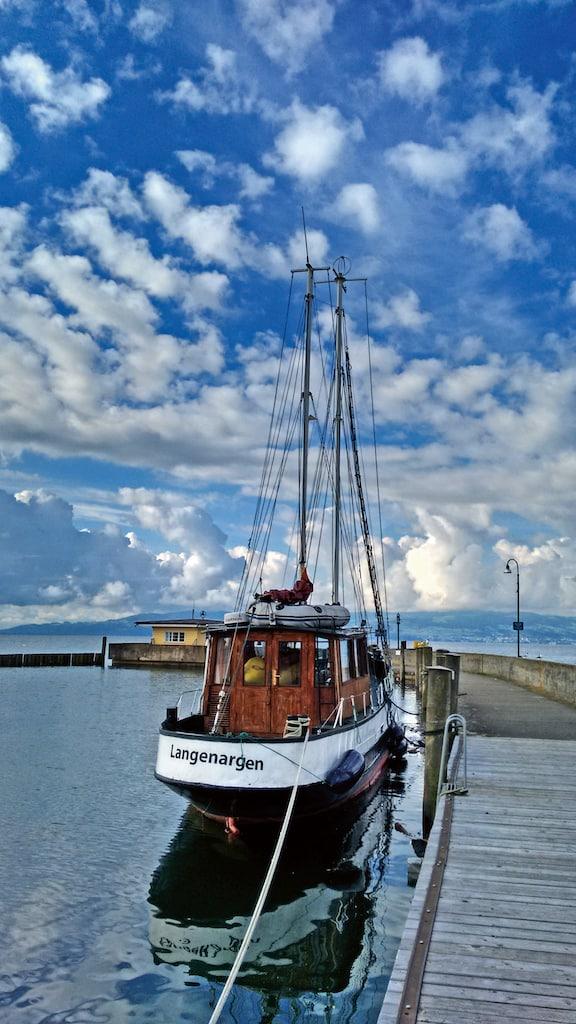 Bei einer Schifffahrt lässt sich die Region bequem vom Wasser aus erkunden. (Foto: HLC/Amt für Tourismus, Kultur und Marketing/©Wolfgang Oberschelp)