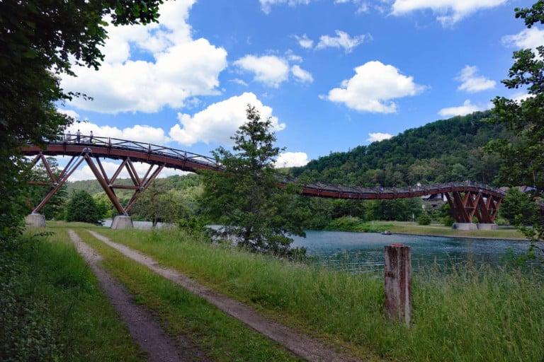 Holzbruecke Tatzelwurm Essingen Altmuehltal. Foto: Michaela Trapp Kopie Kopie